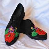 """Pantofi brodati """"Primavera – Floare de Mac"""""""